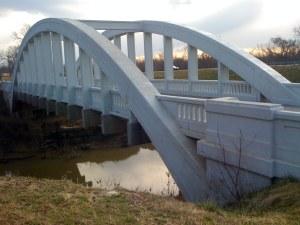 Los puentes necesarios